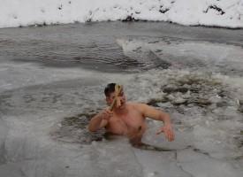 В Стрелча: Николай Радев хвана кръста за пореден път