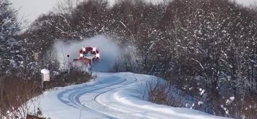 Снежна преспа спря влака Панагюрище – Пловдив