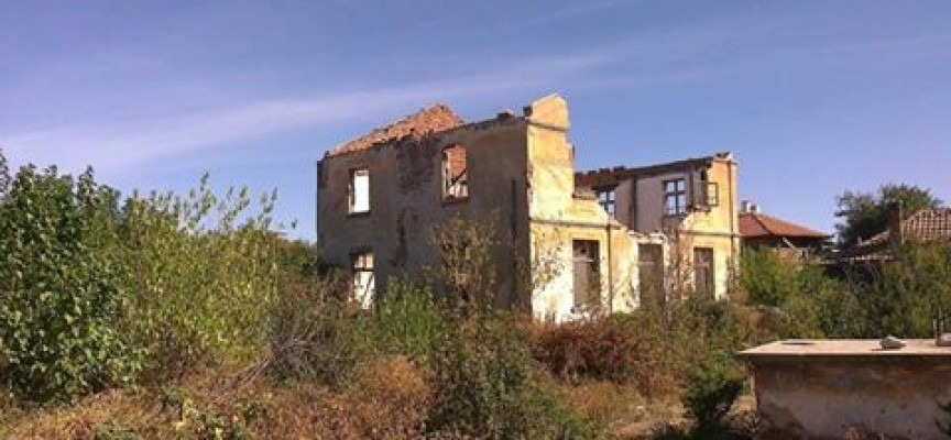 Къщата на Илия Минев тъне в разруха, общински съветник иска да бъде превърната в музей