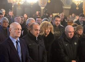 Вижте литургията отслужена от дядо Николай днес в Панагюрище