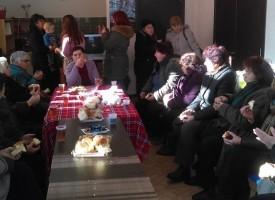 Калугерово: Ритуално къпане на младенец направиха за Бабинден