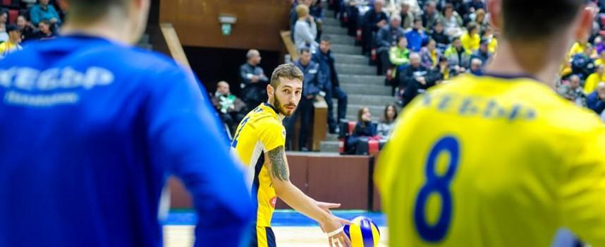 """ВК  """"Хебър"""" триумфира в първия си мач към Суперлигата"""