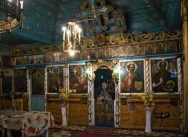 """Епископ Яков отслужи света литургия в двувековния храм """"Св. Варвара"""" /снимки/"""