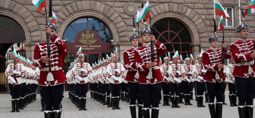Александър Батемберг създава гвардейските части в България