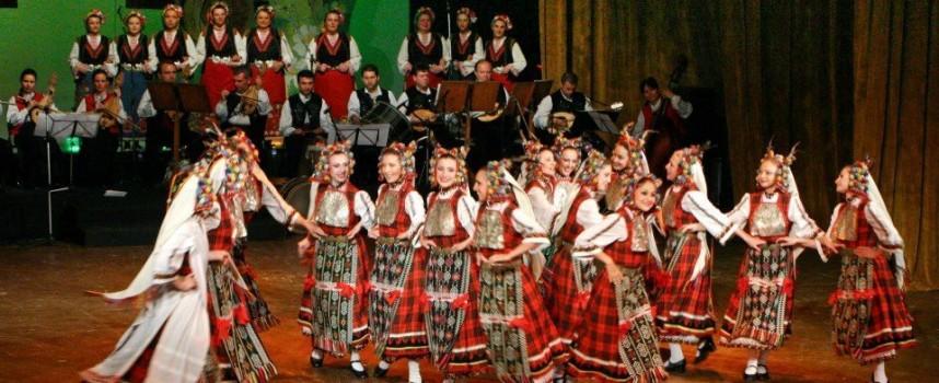 """Танцьорите от """"Филип Кутев"""" стъпват отново на пазарджишка сцена"""