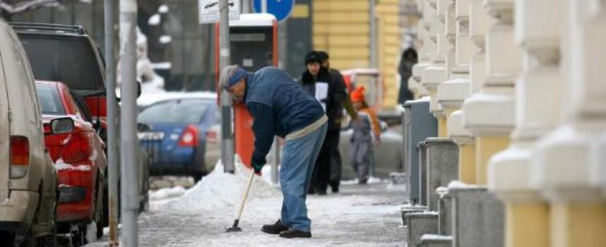 15 села в три общини засега са без ток заради снега