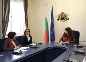 Вицепрезидентът Йотова: Дъблинското споразумение се нуждае от спешна реформа