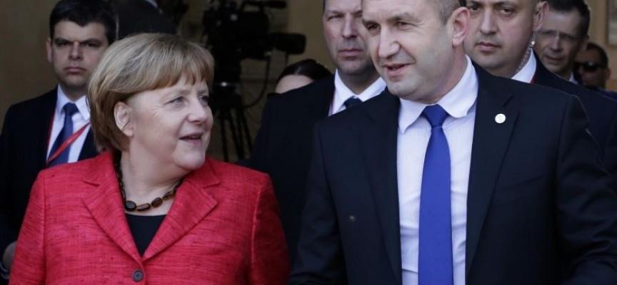 В Малта: Президентът поиска гаранции за всички външни граници на ЕС