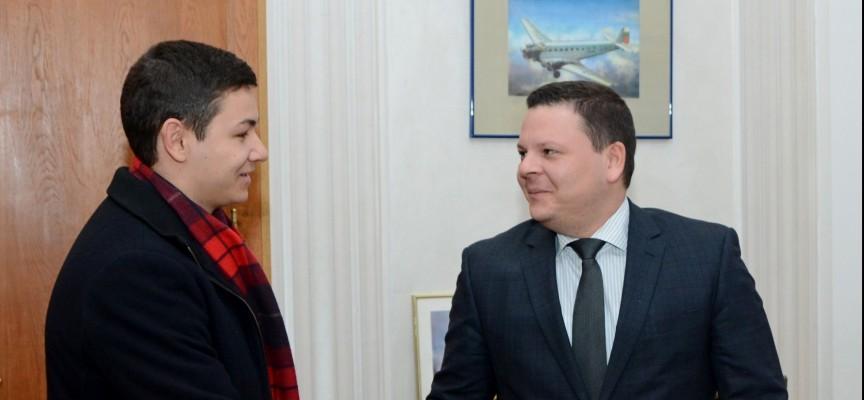 Министър Алексиев се срещна вчера с Кристиан Ваклинов