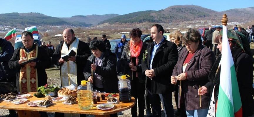 Вино за берекет се ля във Ветрен, Карабунар и Славовица