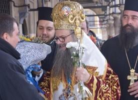 Марин Рачев занесе септемврийско вино и домашна пита на дядо Николай