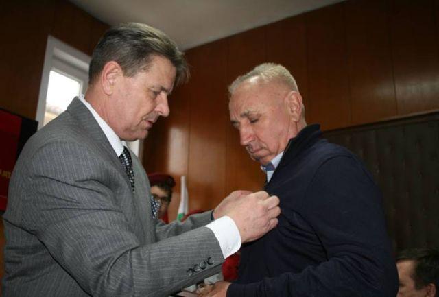 15г-н ДЕЛЧЕВ и г-н Николаевич