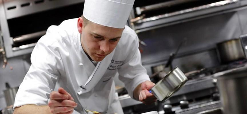 Бюрото по труда търси безработни за обучение на продавачи, готвачи и дърводелци