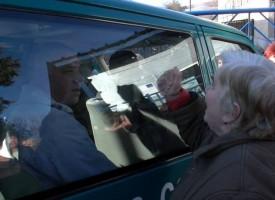 Във Ветрен: Мутри на собствениците на обувен цех опитаха да прегазят кмета