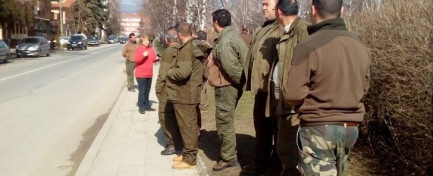 Панагюрище: Горски се събраха на протест пред полицията, роми пребиха техни колеги