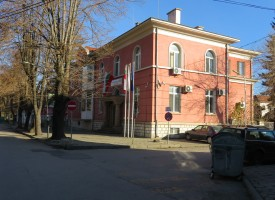 Велинград: 4 месеца строг затвор за търговец на алкохол без бандерол