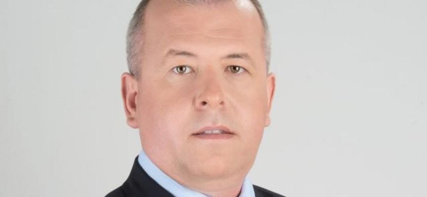 Йордан Младенов: Какъв е приносът на г-н Цветанов за санирането на сградата на общинска администрация?
