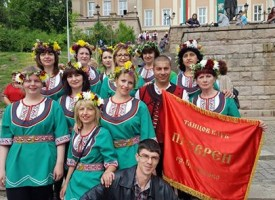 """Брацигово: """"Лазарска броеница"""" започна с шествие от Синджирли бунар към центъра"""