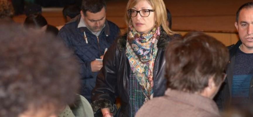 Екатерина Захариева осигури работа на 120 измамени работници от град Ветрен