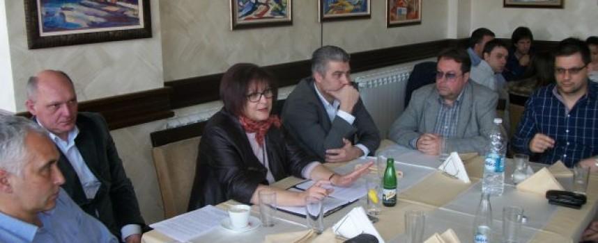 Бойка Маринска в Пещера: Реформаторски блок извоюва по-високите заплати на учителите