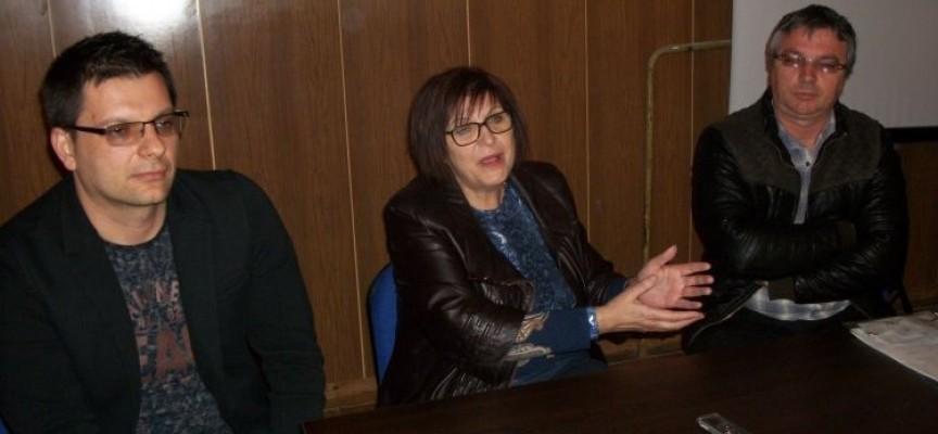 """Бойка Маринска покани деца и учители от """"Г.Брегов"""" в Парламента"""