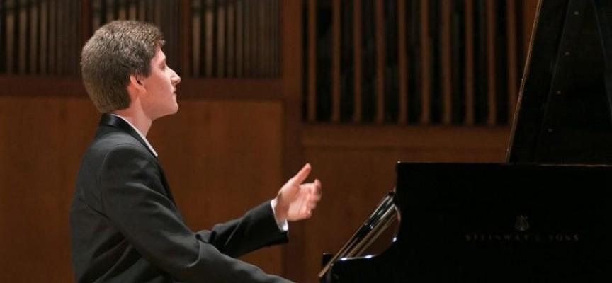 УТРЕ: Не пропускайте концерта на Емануил Иванов