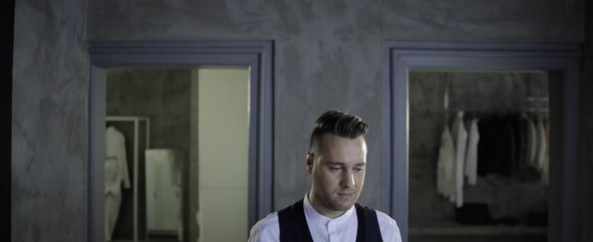 Първият сингъл на Лазар Вълчев е с пет номинации от BGradio, гласувайте