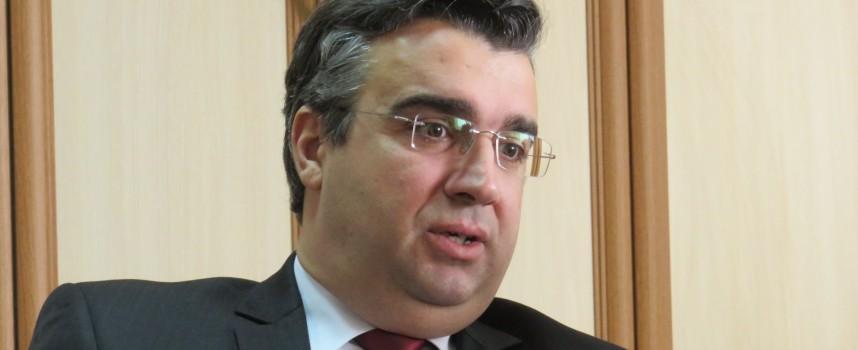 Златко Митрев разреши сключването на споразумение за обществения превоз на Септември