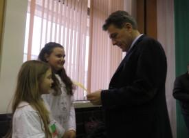 Най-младите журналисти на Пазарджик попитаха кмета кой е бил любимият му предмет?