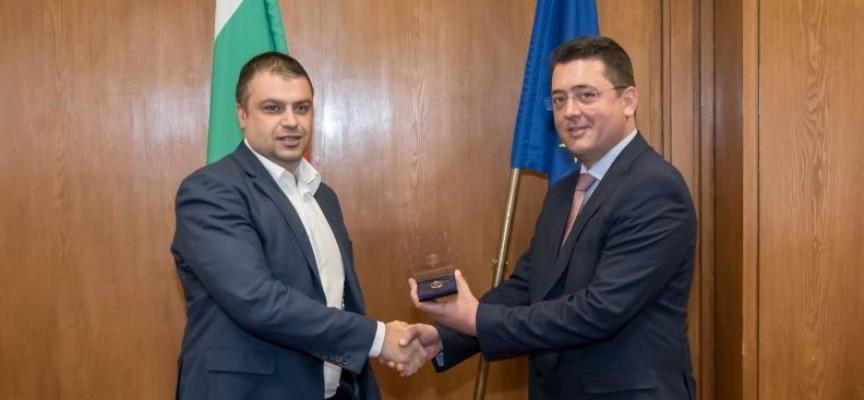 Йордан Рогачев бе награден от министъра на ВР Пламен Узунов