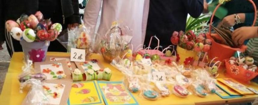 """Майките от Сдружение """"Подай ръка и подкрепи"""" с Великденски базар на Тортата"""