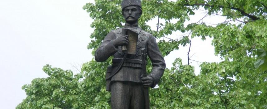 """Паметникът на Васил Петлешков е отлят в """"Незнайния войнъ"""" от Никола Радев"""