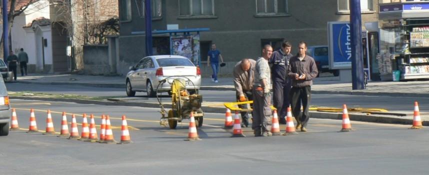 Пазарджик: Полагат пътна маркировка на кръстовище на Велика събота и Светли понеделник