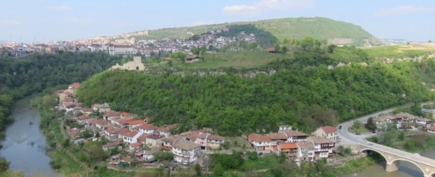 Съботни маршрути: Фуникуляр ни качва на Трапезица, Царевец радва с нови придобивки