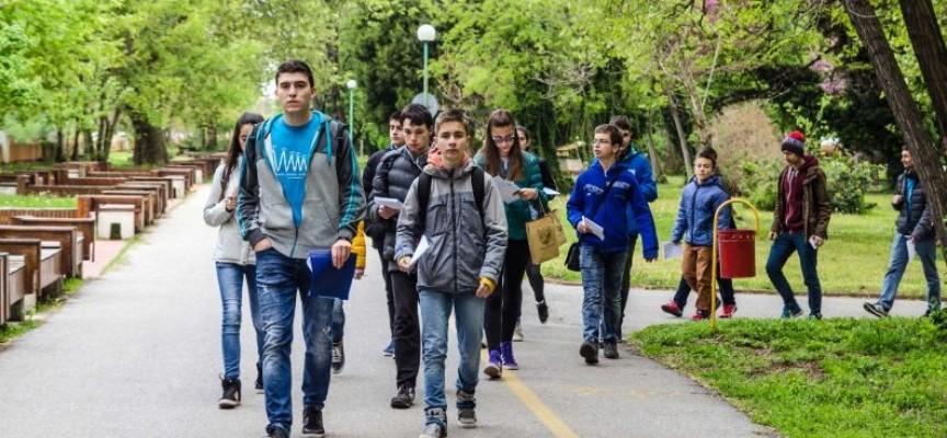 """Отборът на """"Проф.Иван Батаклиев"""" и ПГИМ – Пазарджик се класира на финал на Географския фест"""