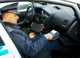 В Злокучене: Мъж без книжка задържаха септемврийските полицаи