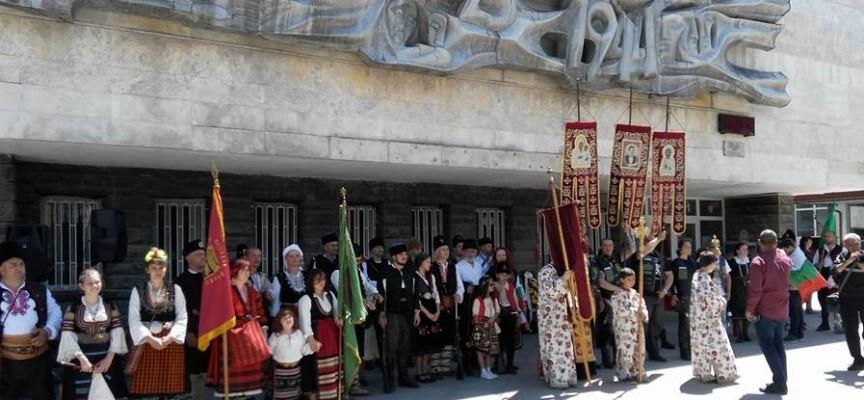 """Батак: Отслужват празнична вечерня в храма """"Света Неделя"""", вижте програмата за днес и утре"""