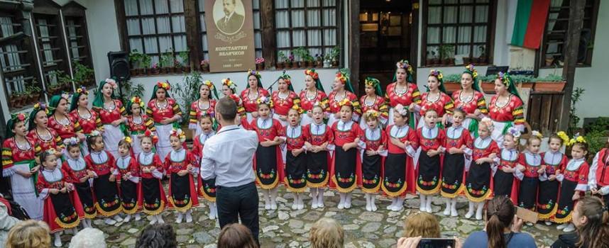 """Този петък: """"Песнопойче"""" -тата с годишен концерт в Пазарджик"""