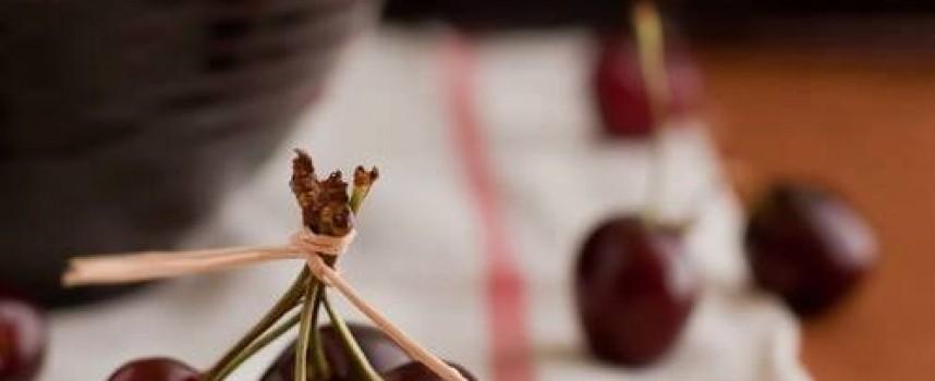 Черешова задушница предхожда Петдесетница