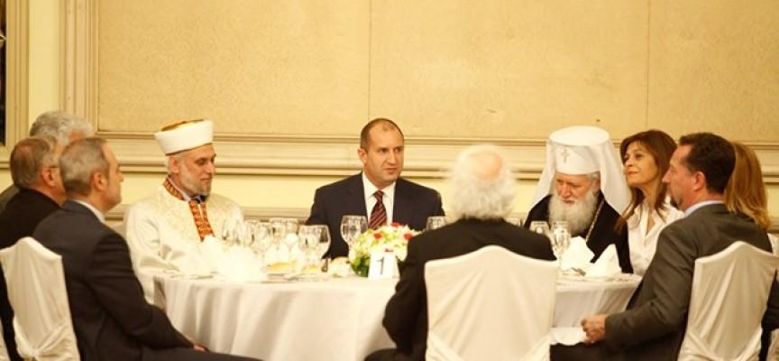 Президентът даде ифтар за свещения месец на мюсюлманите Рамазан