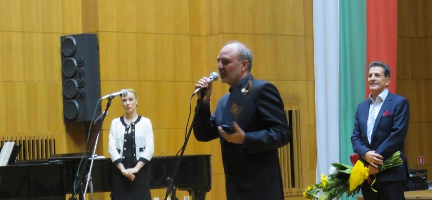 Награди за 24 май: Илия Ангелов е тазгодишният носител на приза за цялостно творчество