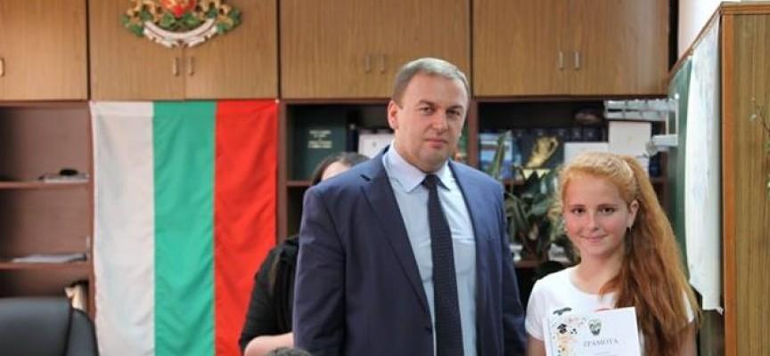 Неби Бозов поздрави децата на Сърница