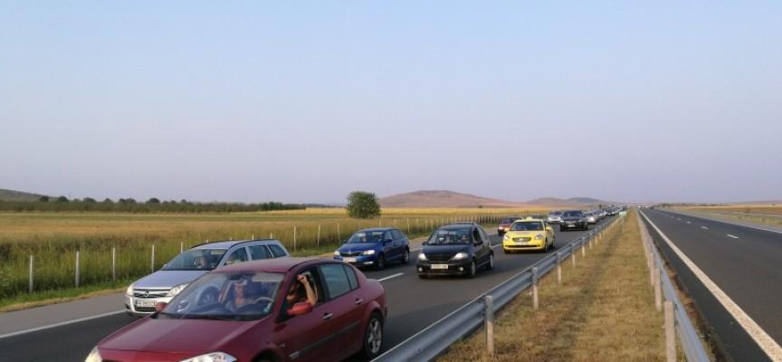 На 66 км: Почистват дъждоприемните шахти на магистралата, шофирайте разумно