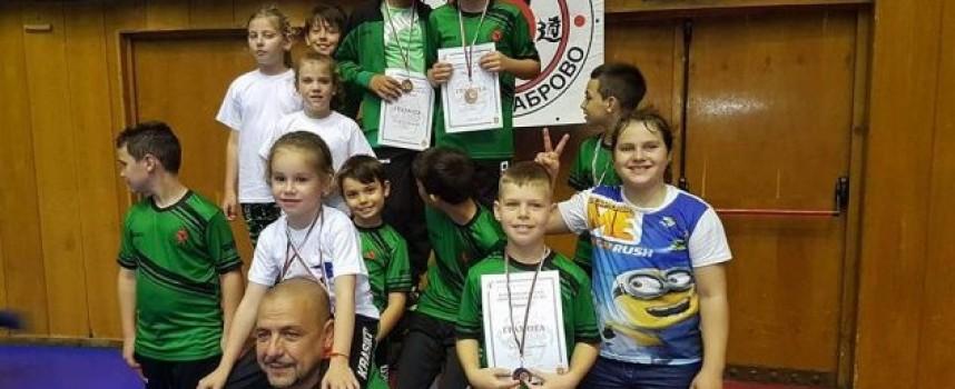 """8 медала за каратеките от СК """"Спартак"""" на провелата се през уикенда Национална Купа в Хасково"""