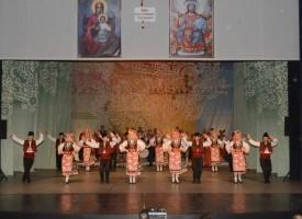 """Невероятен концерт за храма """"Св.Богородица"""" изправи на крака публиката в Театъра"""
