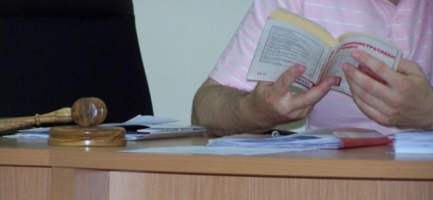 Кирил Маринков – Лозенеца осъди МВР за потрошен на полицейски паркинг автомобил