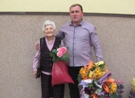 """Карабунар: 90 годишна учителка аплодира училищни изяви в ОУ""""Христо Ботев"""""""