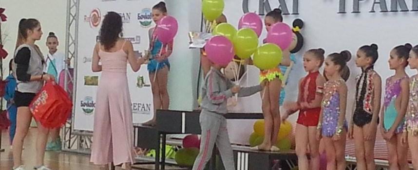 """Два сребърни медала за Дара от турнира """"Тракия къп"""""""