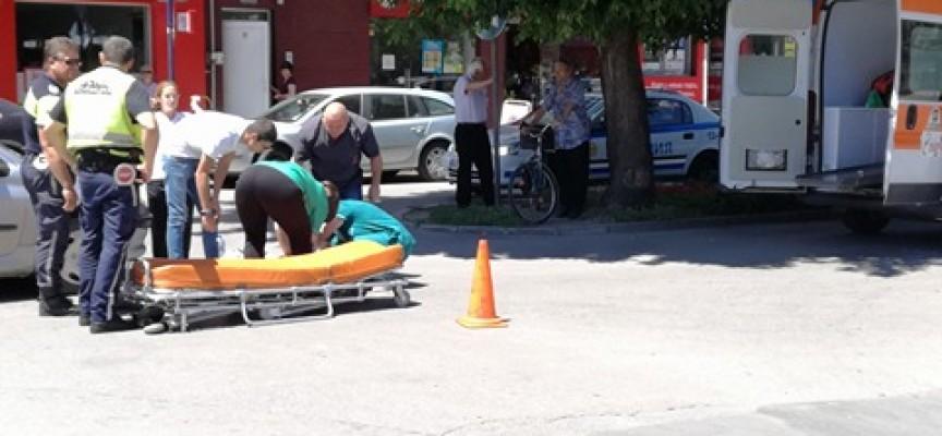 """Кола блъсна жена на пешеходна пътека на ул.""""Цар Шишман"""""""