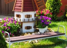 Нова мода: Играчки за малки и големи в градината